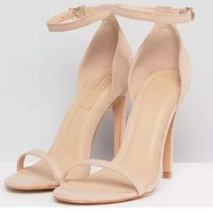 NEW!! TRUFFLE COLLECTION Barely There Sandals Sz 8